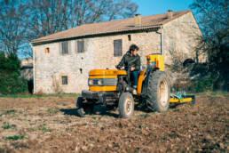 contact matériel agricole le pré fabriqué